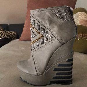 High wedge heel (New)